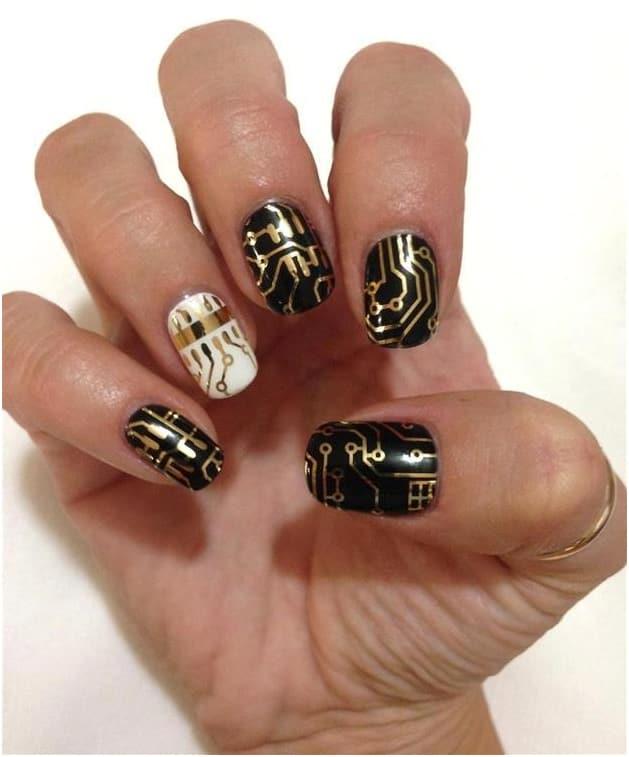 Какой маникюр укрепляет ногти?