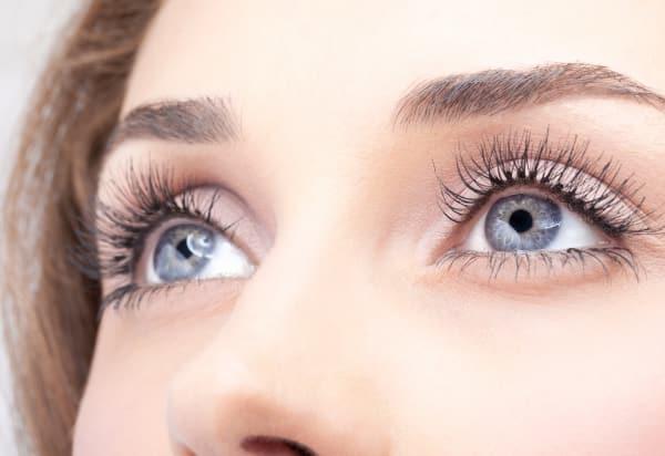 Какие процедуры выполняет косметолог и какие проблемы он поможет решить