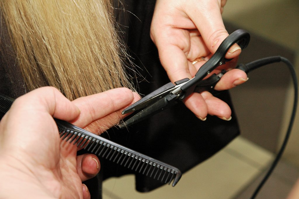 Каких результатов ожидать от «горячей» стрижки? Лечебная терапия волос