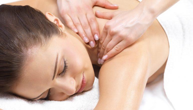 Сидячий образ жизни – повод посетить массажиста