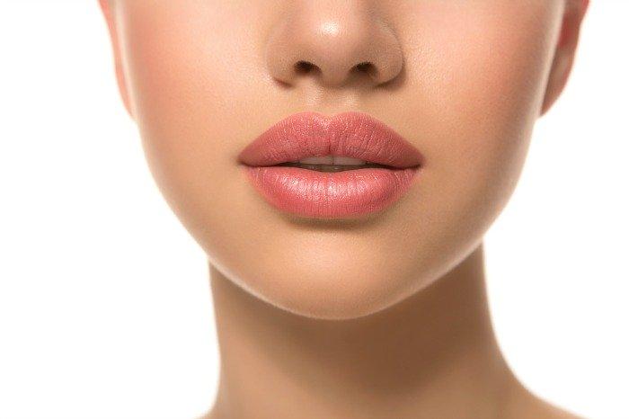 Изменение формы губ с помощью перманентного макияжа – выразительная красота