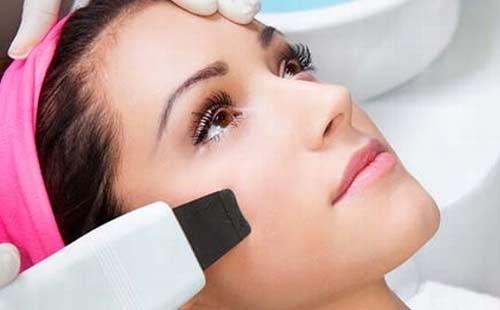 Ультразвуковая чистка лица: особенности и преимущества