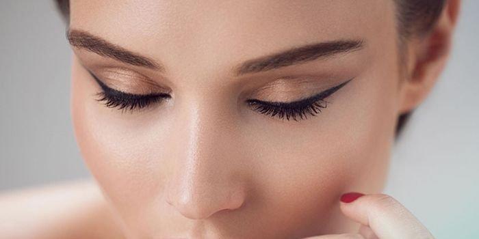 Татуаж век: плюсы и минусы косметологической процедуры
